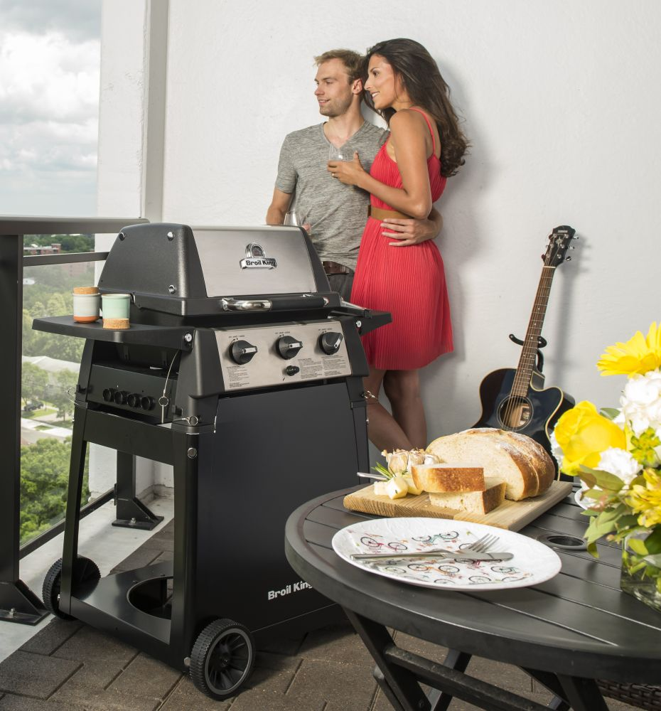 Grill gazowy Porta-Chef 320 z wózkiem
